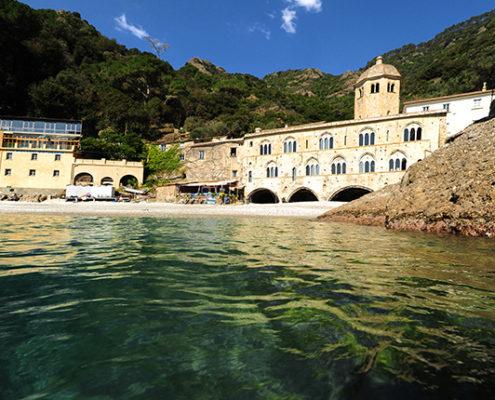 Camogli-San-Fruttuoso-Battello-Golfo-Paradiso-Foto-San Fruttuoso